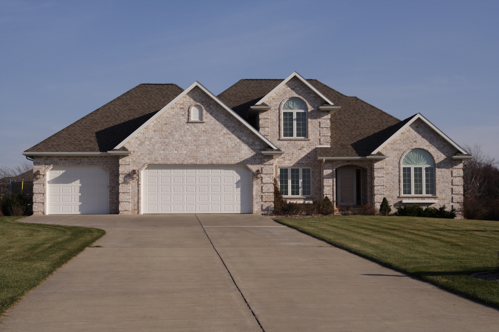 Stay secure with these 5 tips on designing a driveway for Semi attached house plans