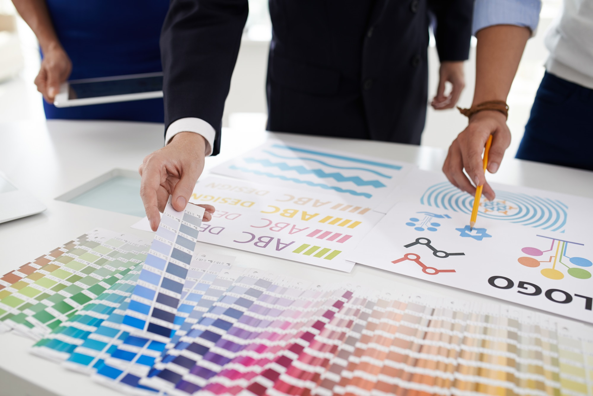 logo designers picking colors